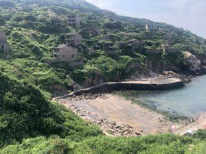 枸杞島・緑に飲み込まれる村・港